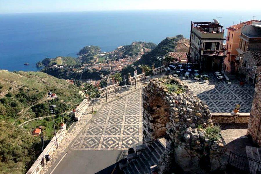 Escursione dal porto di Messina a Taormina e Castelmola